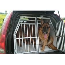 Клетка в Вольво XC-90 для двух собак